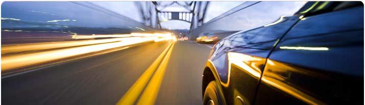 Ta dig enkelt runt på din resa i USA med en hyrbil av toppkvalitet från Hertz biluthyrning!