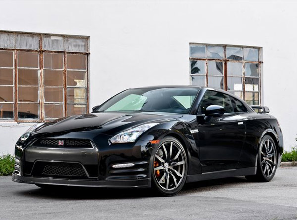 Nissan GTR Rental Hertz - Sports cars to rent